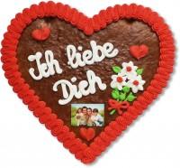 Lebkuchenherz auf dem Ich liebe Dich steht